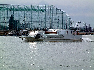 s-800px-Shinanogawa_Watershuttle-1.jpg